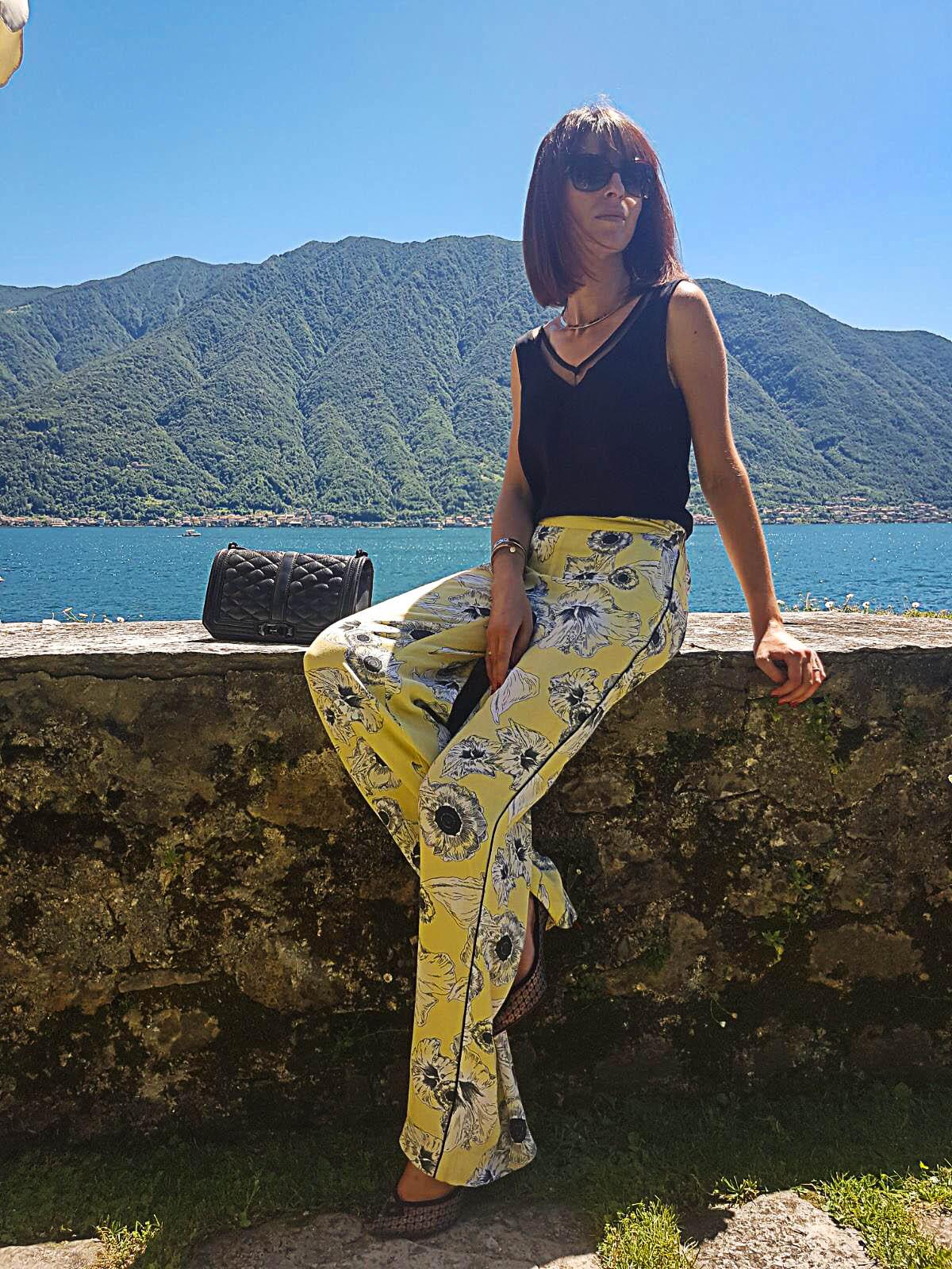 Pantalon fluide jaune palazzo